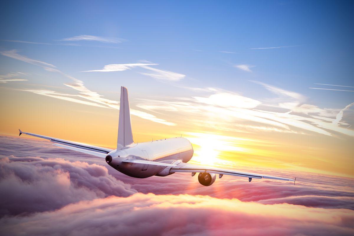 aereo volo cielo colori alba tramonto
