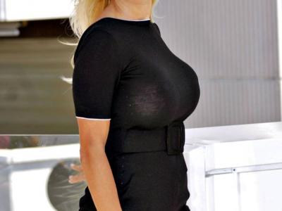 Pamela Anderson, la regina hot del Natale 2014