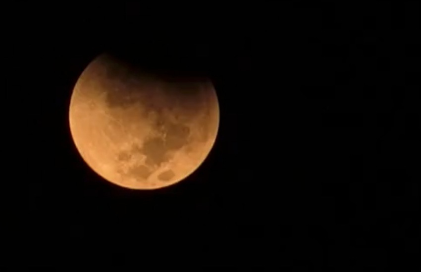 """SuperLuna di sangue"" eclissi totale del satellite della Terra - VIDEO"