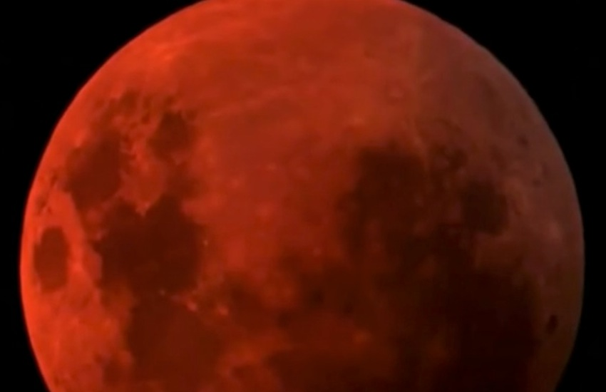 """Blood moon eclipse"", domenica l'eclissi della Luna rosso sangue - VIDEO"