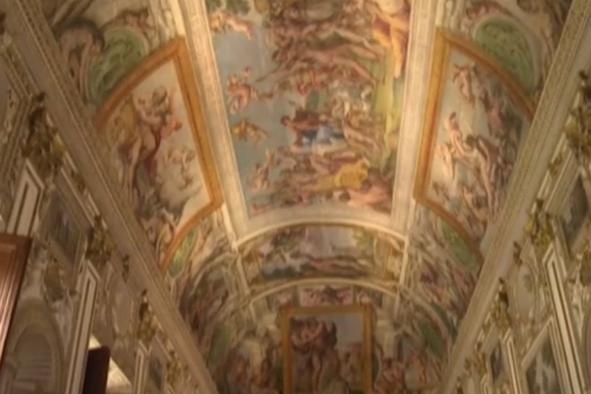 Torna a risplendere la galleria dei Carracci di Palazzo Farnese - VIDEO