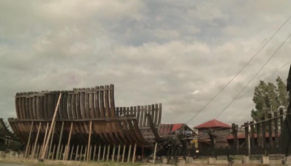 Un geologo francese da 20 anni costruisce un vascello - Video