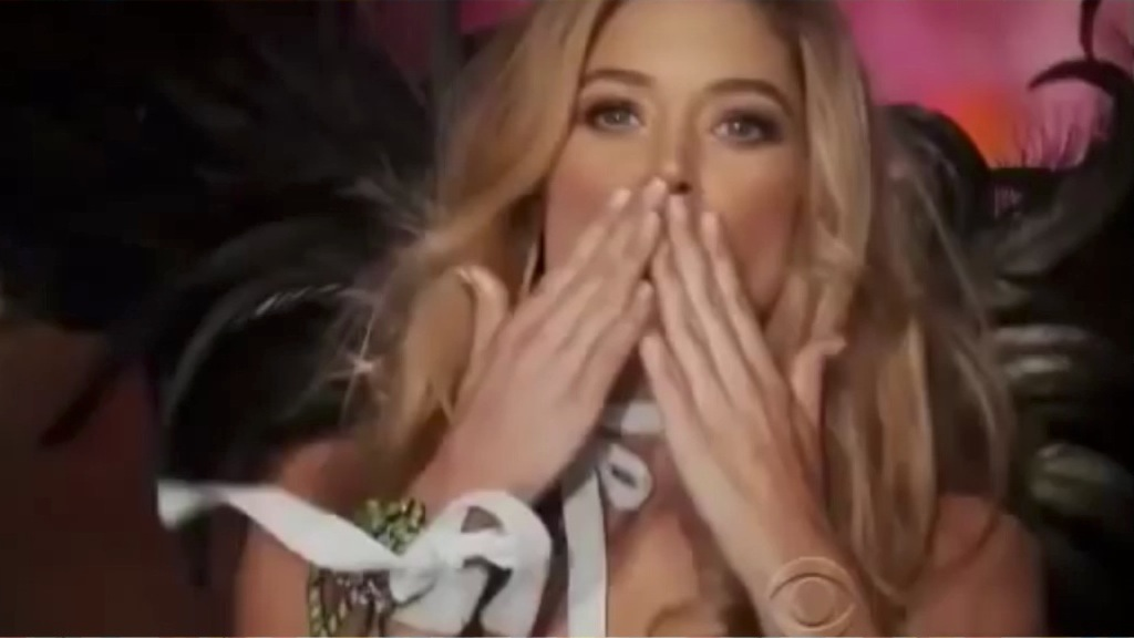 Doutzen Kroes, l'angelo che è volato via da Victoria's Secret - VIDEO