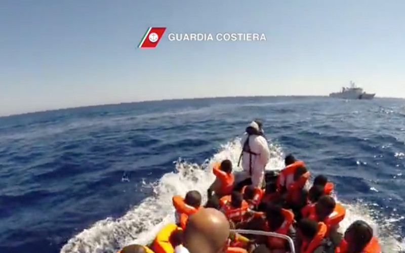 2.150 migranti salvati dalla Guardia costiera nello Stretto di Sicilia