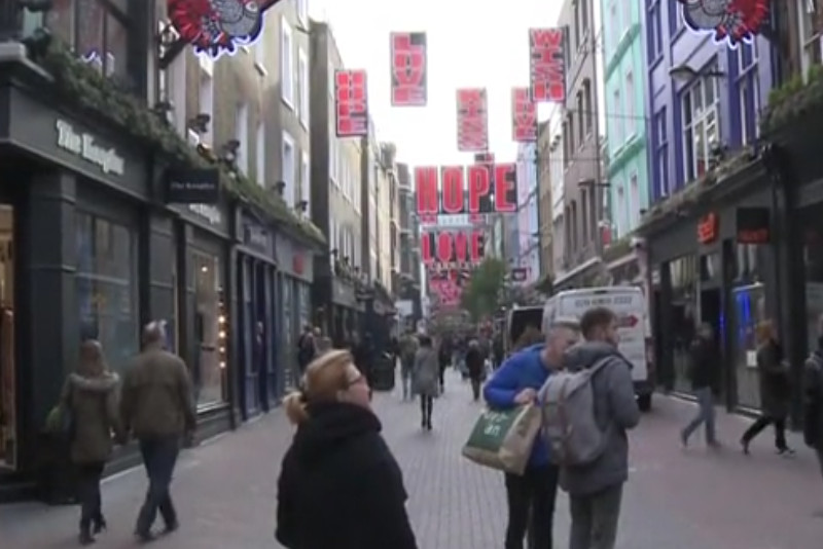 E' boom di turisti a Londra: sterlina in calo grazie alla Brexit