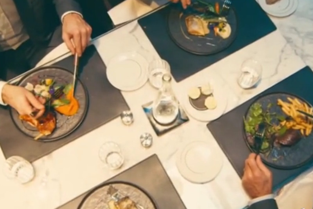 Feste di Natale al ristorante: una spesa di 25-50 euro per il 75% degli Italiani