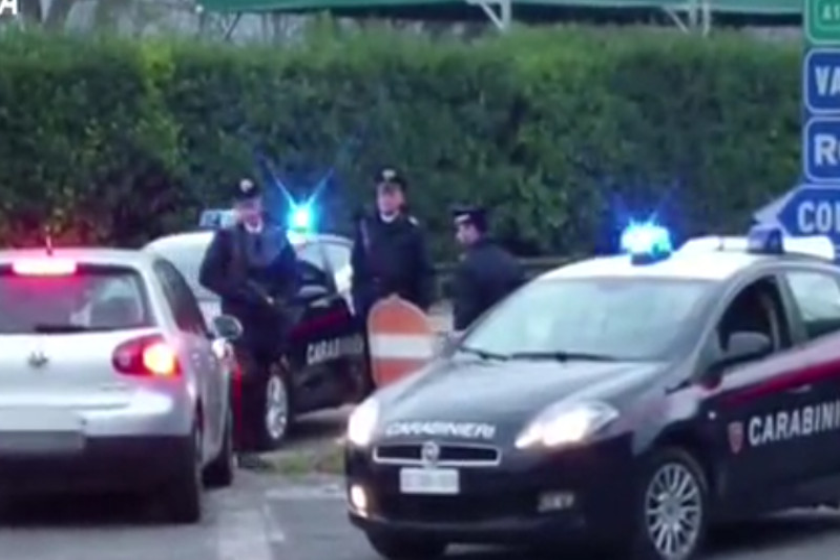 Roma,spaccio di droga: estorsioni, maltrattamenti e aggressioni a chi non pagava