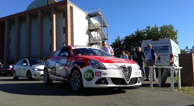 Auto contro muretto nel rally di San Marino: morto il pilota