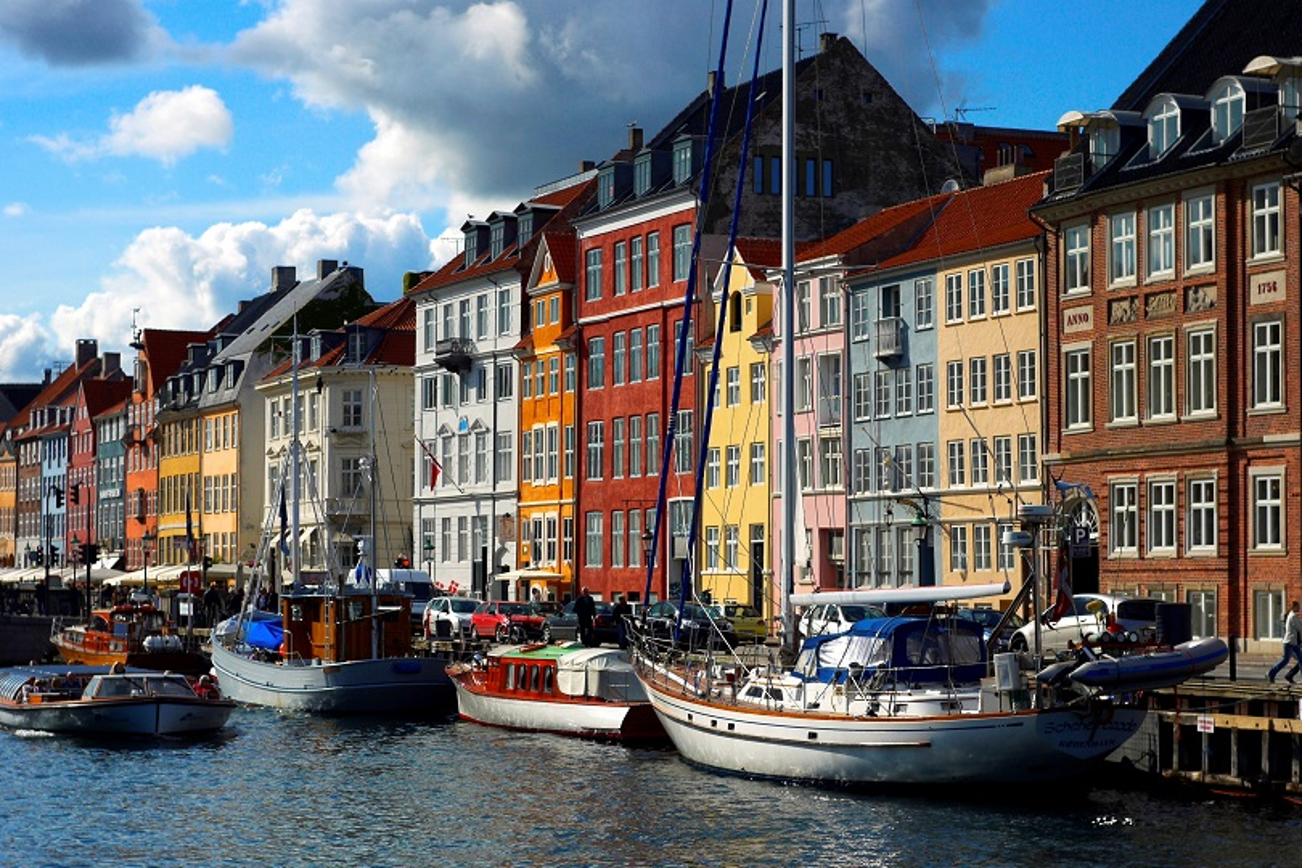 Riaperti ponti dell'isola di Copenaghen dopo maxi operazione polizia