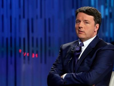 """Renzi attacca: """"Bisognerebbe radiare dalla politica chi dice no ai vaccini"""""""