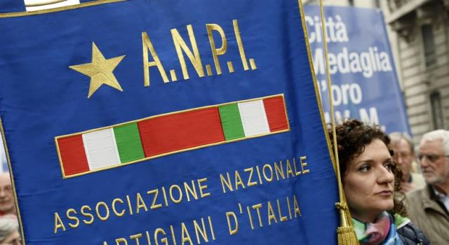 Roma, blitz di Forza Nuova contro la sede dell'ANPI