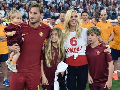 """Totti festeggia al Colosseo: """"Volevo decidere io quando ritirarmi"""""""