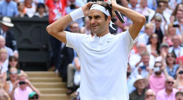 Federer sempre più nella leggenda: a Dubai il trofeo ATP numero 100