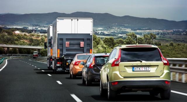 Guidare in autostrada: regole e consigli per viaggiare sicuri e sereni