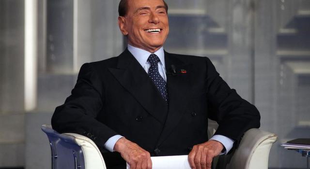 Escort, Silvio Berlusconi ottiene il rinvio del processo per 'impegni politici'