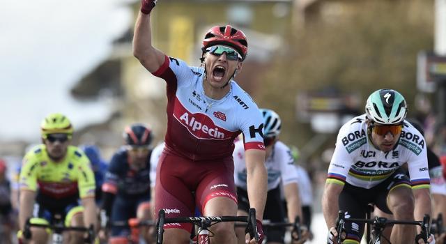 Tirreno-Adriatico 2018, Marcel Kittel vince a Follonica. Bevin il nuovo leader