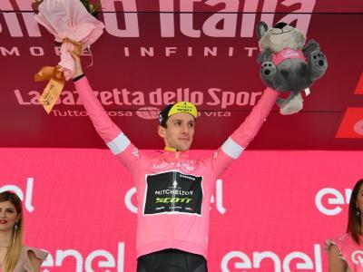 Ciclismo, Simon Yates padrone della Vuelta a España 2018
