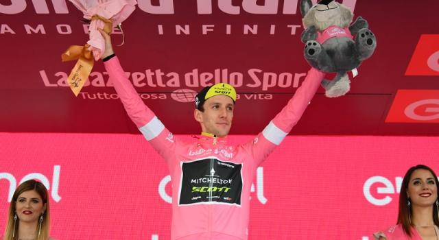 Vuelta a España 2018, Pinot trionfa a Lagos de Covadonga. Yates in rosso
