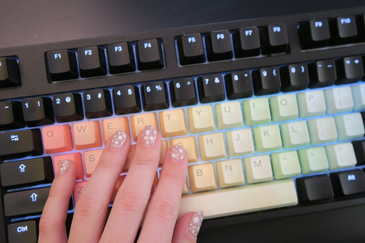 tastiera meccanica personalizzata tasti colorati pastello