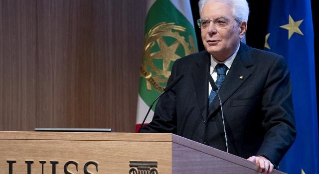 Sergio Mattarella: in Italia c'è bisogno di studio e non improvvisazione
