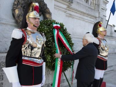 25 aprile, Mattarella all'Altare della Patria, Conte alle Fosse Ardeatine