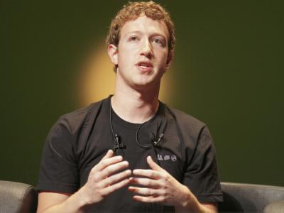 Coronavirus, i dipendenti Google e Facebook in smart working per tutto il 2020