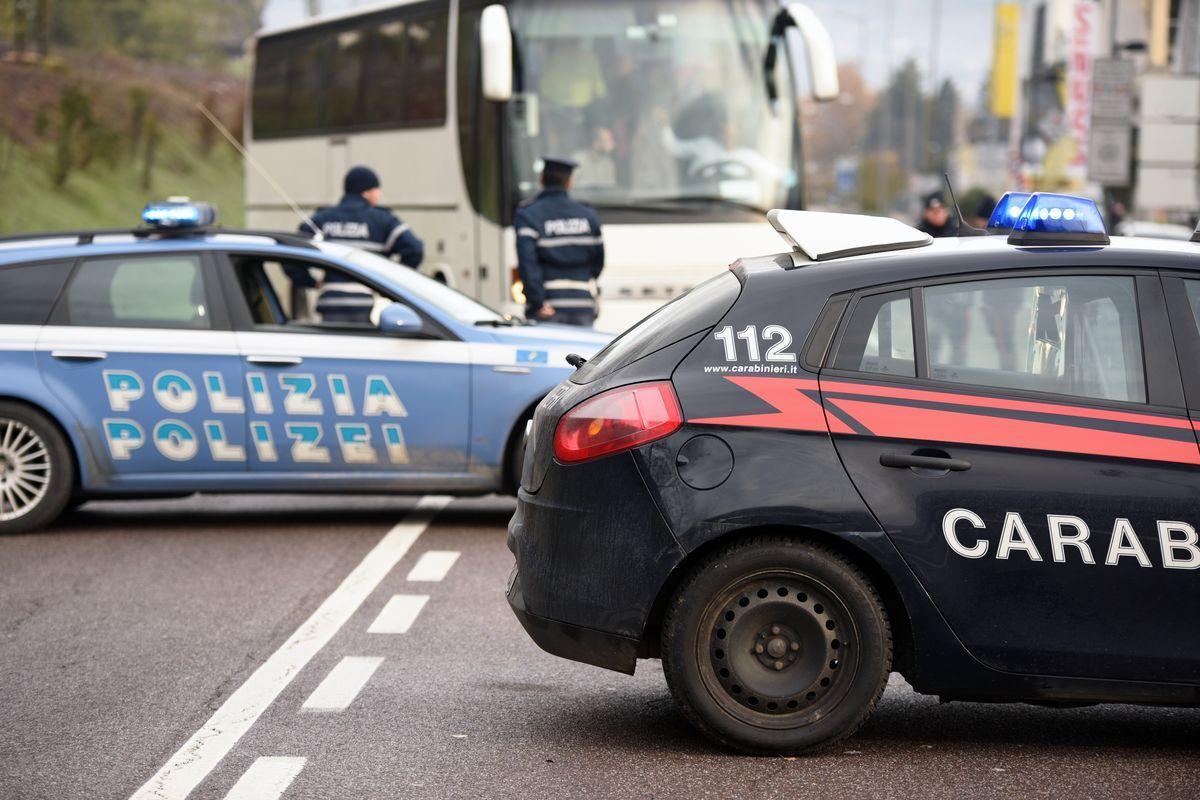 Auto carabinieri polizia