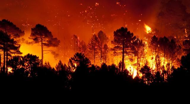 Guatemala, il vulcano Fuego ritorna a fare paura: evacuate duemila persone