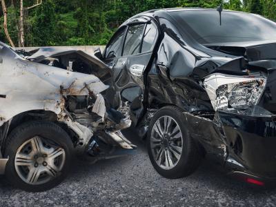 Tragico incidente nell'Avellinese, due persone travolte da un'auto