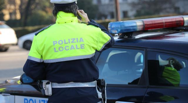 A 100 all'ora su monopattino elettrico, maxi-multa a 40enne in Provincia di Torino