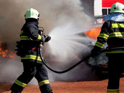 Paura a Milano, vasto incendio in un appartamento