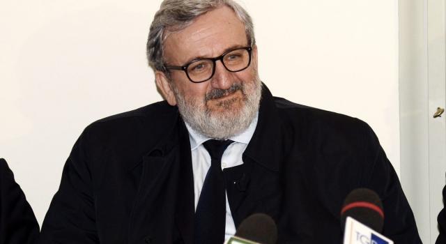Puglia, Emiliano indagato per abuso d'ufficio