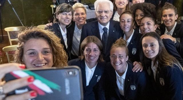 Il presidente Mattarella riceve al Quirinale la Nazionale di calcio femminile