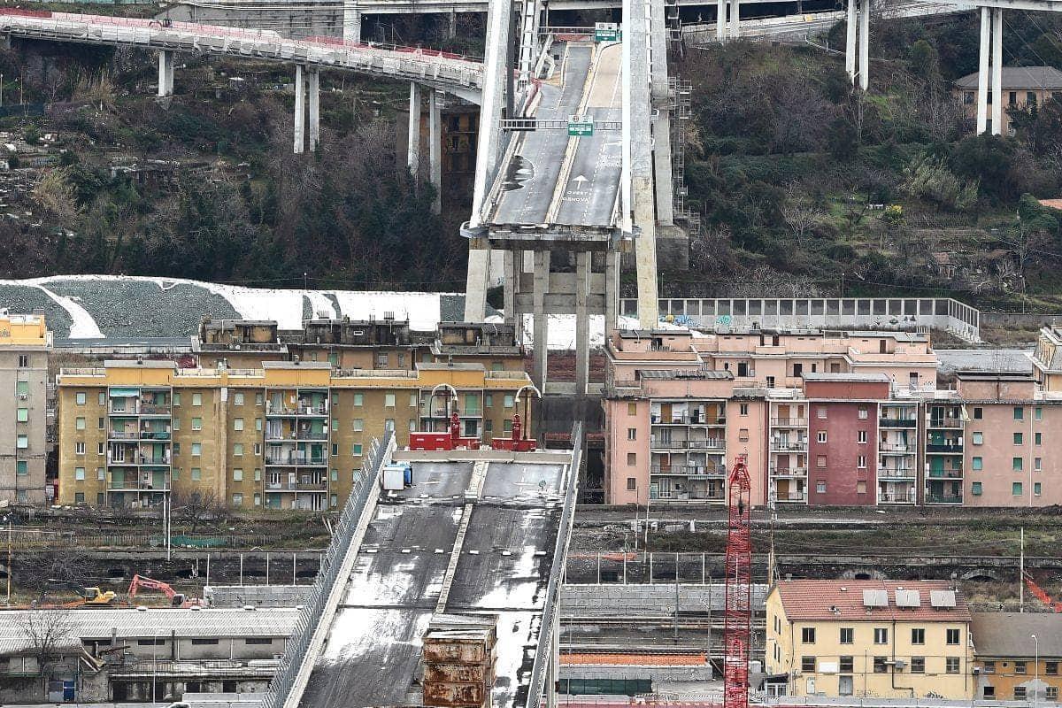 """Ponte Morandi, i familiari delle vittime: """"Non ci saremo se"""
