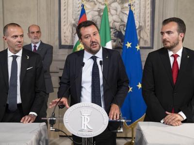 """Crisi di Governo, centrodestra all'attacco. Salvini: """"Arriva il Monti-bis"""", Berlusconi: """"Elezioni subito"""""""