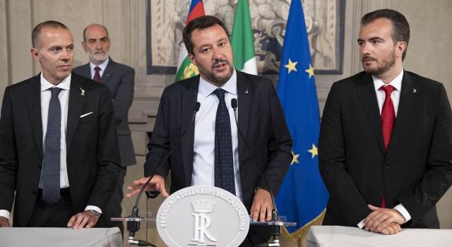 """Il retroscena di Salvini: """"Conte si teneva i dossier e li bloccava"""""""