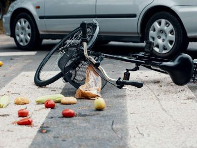 Incidente a Roma, ciclista travolto e ucciso