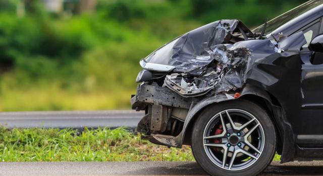 Incidente stradale sull'A1, padre e figlio morti carbonizzati