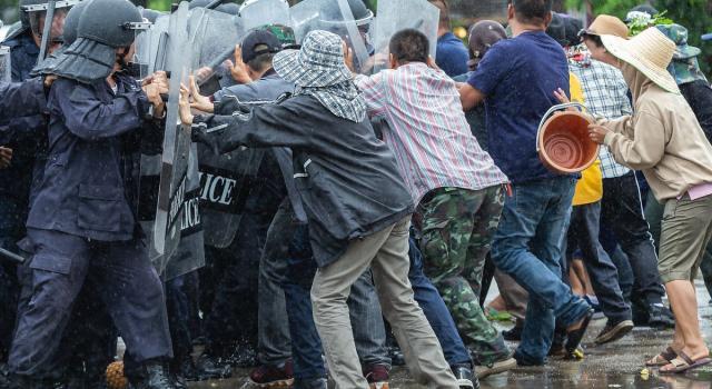 Tensione in Georgia, scontri e violenze a Tbilisi