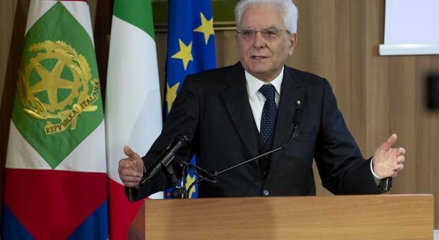 """Razzismo, l'allarme di Mattarella: """"La scorta a Segre è il segno che l'intolleranza è concreta"""""""