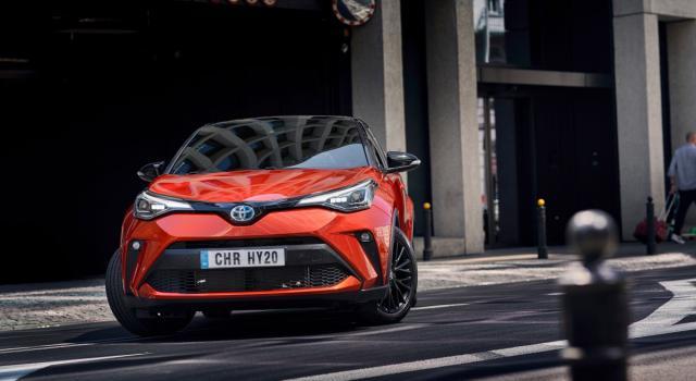 Toyota ci riprova, ecco il primo restyling del C-HR