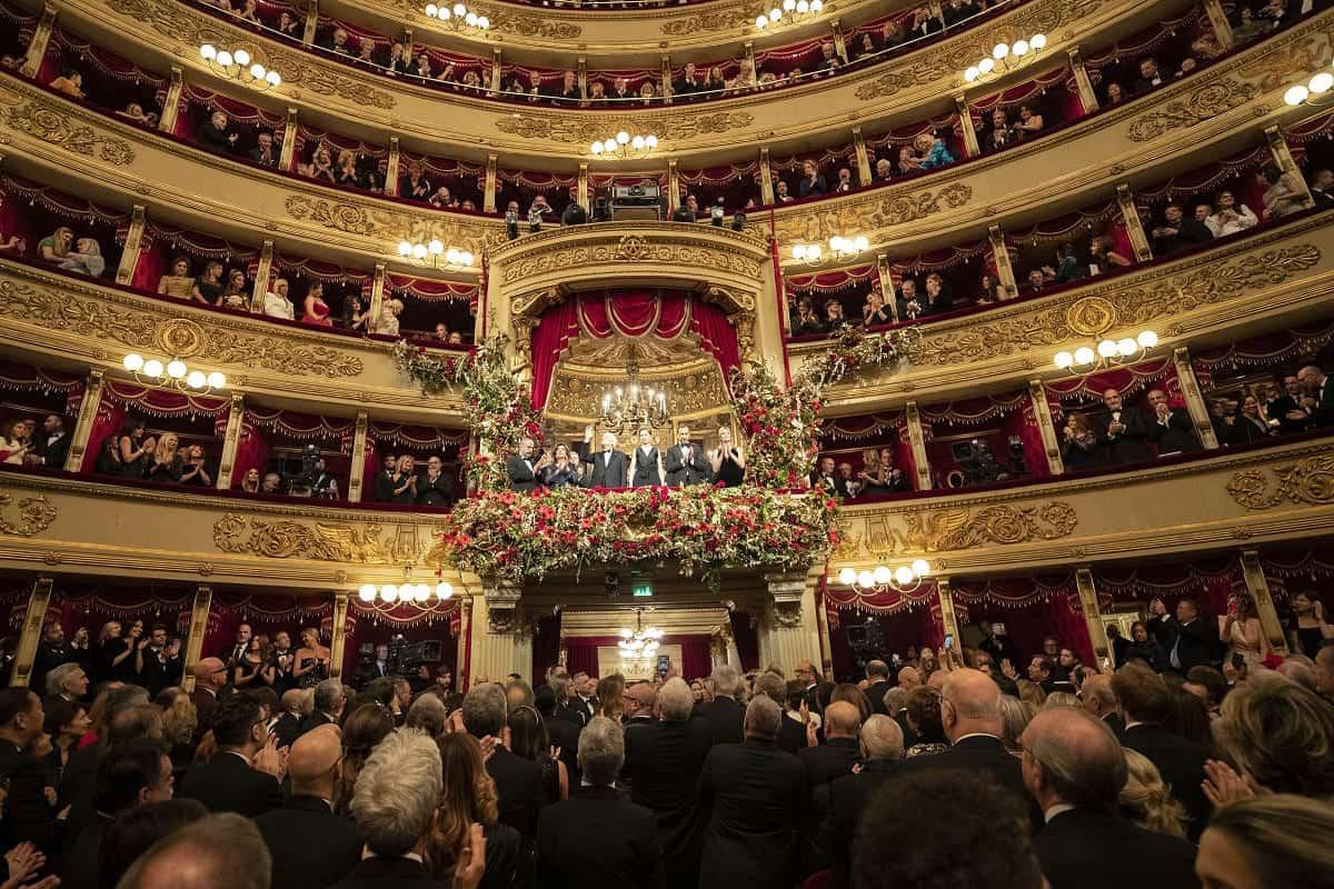 La Prima della Scala, standing ovation per Mattarella e reco
