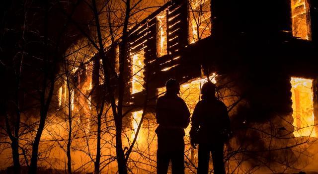 Incendio Ponte di Bassano, si sospetta un rogo doloso