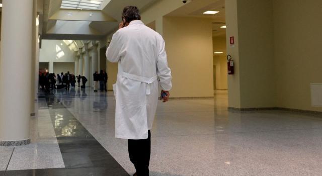 """""""Pacemaker al contrario"""", otto medici indagati per la morte di un bambino. L'Ospedale, 'Ricostruzione lontana dalla realtà'"""