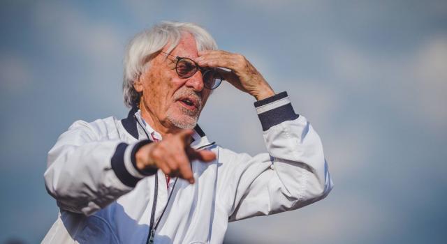 Bernie Ecclestone 'punge' la Formula 1: ecco la sua cartolina di Natale
