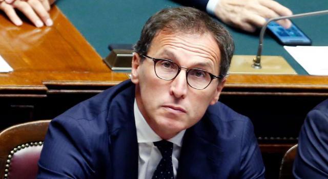 Coronavirus, Boccia sui migranti: '75 per cento dei positivi sono italiani'