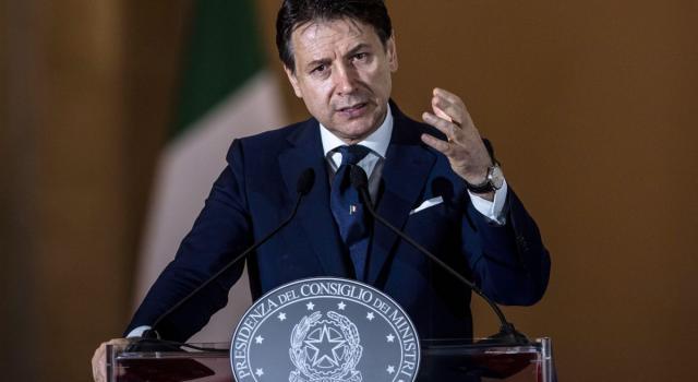 Il governo sfida la pazienza degli italiani. Ancora non sappiamo cosa possiamo fare a Natale