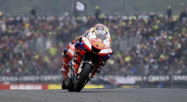 MotoGP, le prove libere del GP d'Europa: Miller il più veloce. Rossi ritorna sulla sua M1