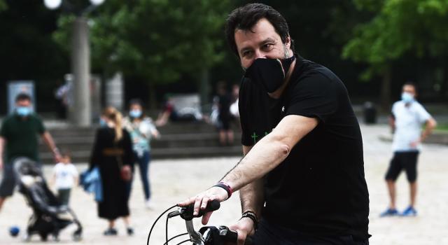 Dietrofront Salvini, 'La mascherina quando è necessario si mette. Ai giovani dico di usare la testa'
