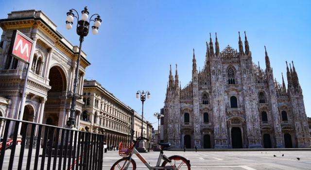 Paura al Duomo, prende in ostaggio una guardia giurata, fermato uno straniero